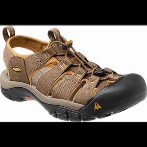 Keen Men's 9 Newport H2 water shoe